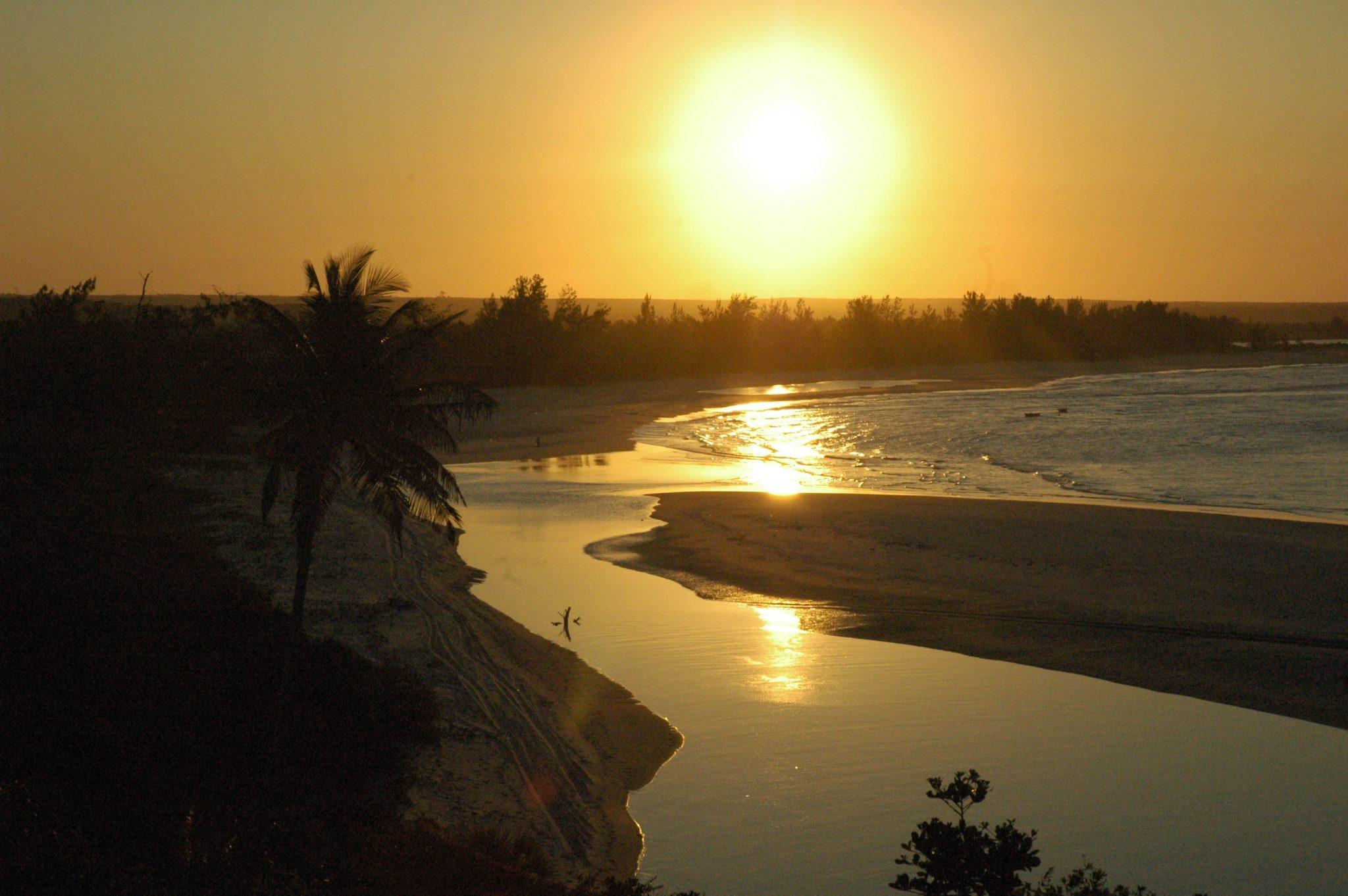 IZ-MA-AM Mozambique Pomene experience lodge izmaan